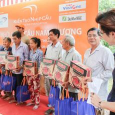 DatVietVAC Charity trip to Vĩnh Long 2017