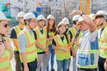 Sinh viên HongKong tham quan công trường