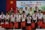Tân Hiệp Phát trao hàng trăm phần quà cho trẻ em có hoàn cảnh khó khăn