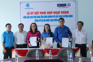 Sponsor agreement with the Youth Federation of Binh Duong and the Youth Union of Biwase for the Clean water program in 2015